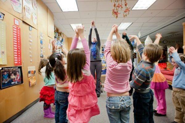 Chim Krakora  Studios Children In classroom