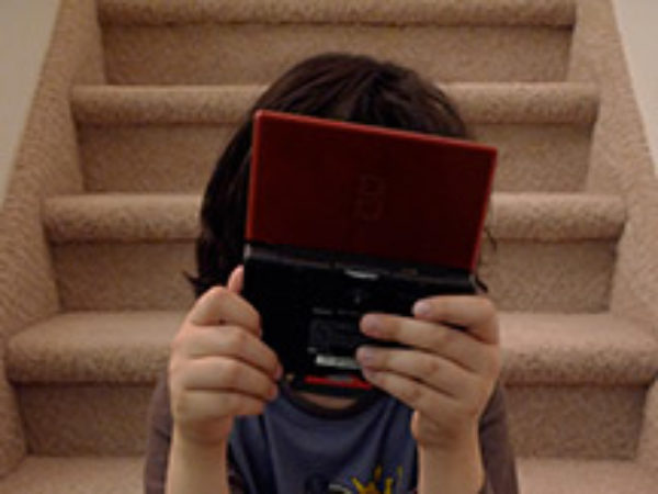 kid-gamer-photo-Rob-Blatt-Flickr-CC-WEB
